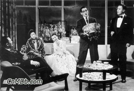 理论:剧情简介:《夜宴电影》1959年版)描写的是冯绥仁(吴楚帆)是人吃人奶豪门简介图片