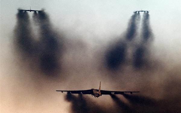 特朗普下令開始行動,美軍核轟炸機群直撲伊朗,一天半後全身而退