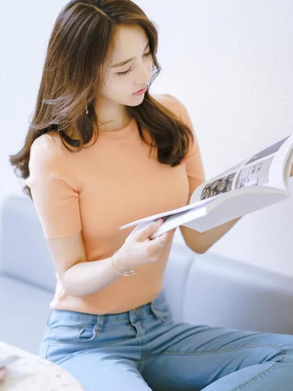 清清爽爽的还显腿长,打底裤的贴身设计显女人的S型身材插图(2)