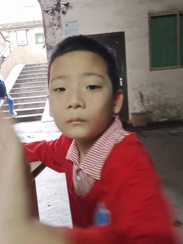 揪心!海口一7歲自閉癥男童走失