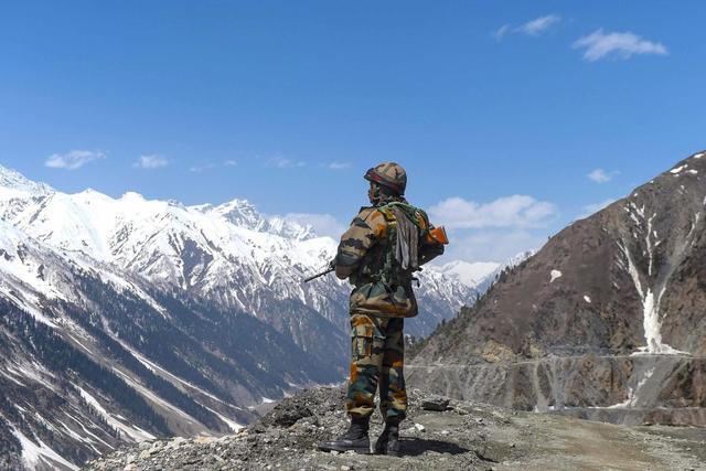 大批解放軍戰機空降巴鐵,印度突然做危險舉動:準備好15天戰爭