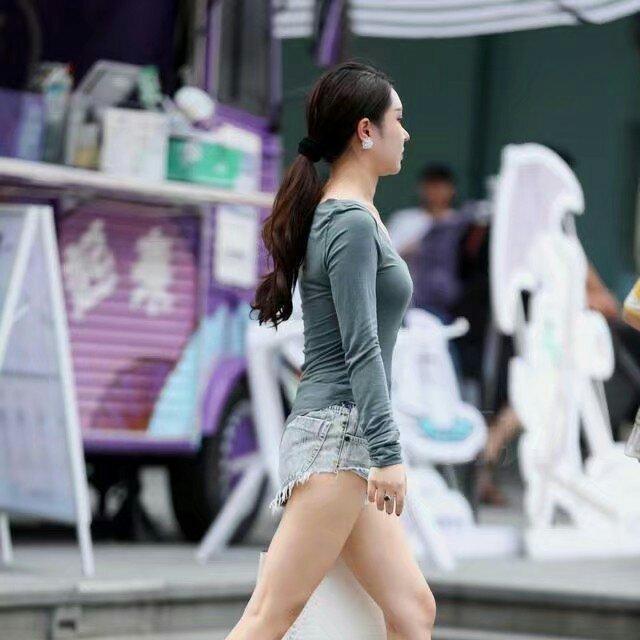 牛仔短褲美女,國色天香,氣質出眾,典型的女神范