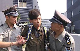 老爸回家-35:张一山工厂偷拍被抓