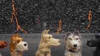 小林与五只狗狗共同对付日本当局和机械的围攻 影片背会藏有深意