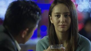 夫妻俩竟因为外人开始争执 佟丽娅的酒窝真好看