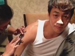 《乐俊凯》花絮-纹身是门技术活