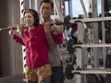 《12金鸭》片段:出卖色相教健身!古天乐被肥妹揩油袭胸