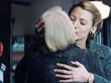 《时光尽头的恋人》片段 暮年女儿为莱弗利过生日