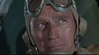 美军俯冲式轰炸日本航母
