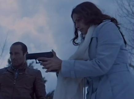 """《一个母亲的复仇》震撼""""递枪""""片段 导演谈及观众最为震惊的反转"""