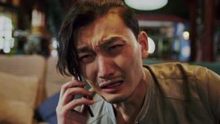 小伙用眼泪说明人一失落便对食物有执念!