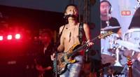 谢霆锋大型露天音乐会HIGH爆脱衣 自称两名儿子不够摇滚