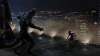 超凡蜘蛛侠 蜘蛛侠苦战蜥蜴博士 千钧一发警长及时救援