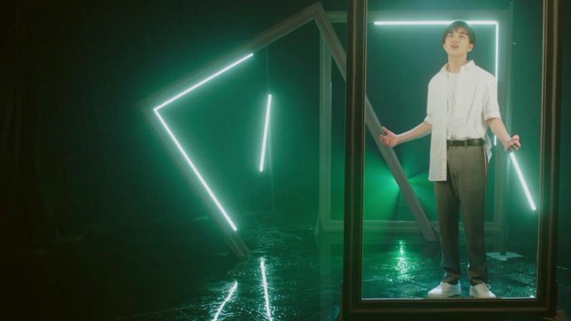 电影《查理九世》更名《墨多多谜境冒险》钱正昊MV首秀演技