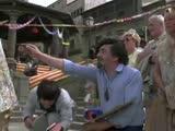 《快餐车》片段:成龙滑板玩得溜!这样的快餐员谁不爱