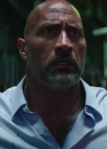 《摩天营救》新预告 巨石强森救家人勇跳世界最高楼