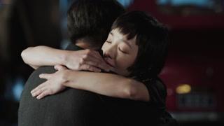 洪三终于承认爱梦竹两人拥吻