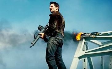 《碟中谍3》精彩片段 敌人突袭击恶霸首领被救走