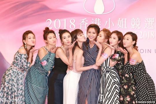 """组图:2018港姐竞选开幕!郑嘉颖女友助阵 瘦成""""巫婆脸"""""""