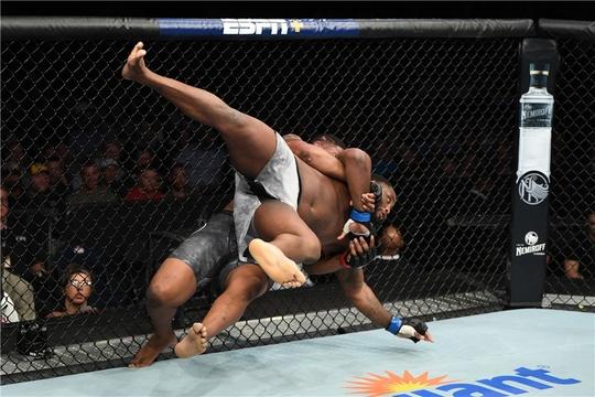UFC格斗之夜148