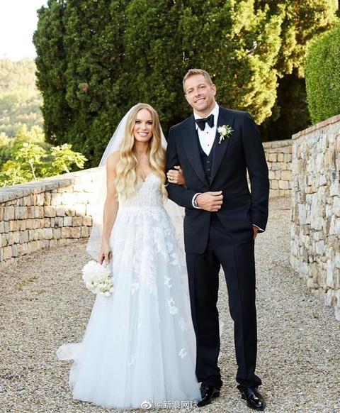 沃兹尼亚奇婚礼的更多美照,奥林匹亚很抢镜