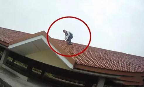 男子在多地以跳楼做幌起敲诈钱财 在锡被捕