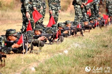 广西柳州:武警新兵打响军旅人生第一枪