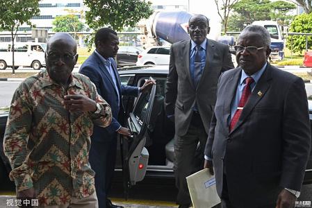 津巴布韦包机前往新加坡运回穆加贝遗体