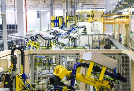 长寿:机器人打头阵 复产动力旺