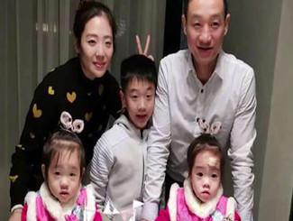 杨威一家五口为双胞胎女儿庆生 杨阳洋长成帅小伙