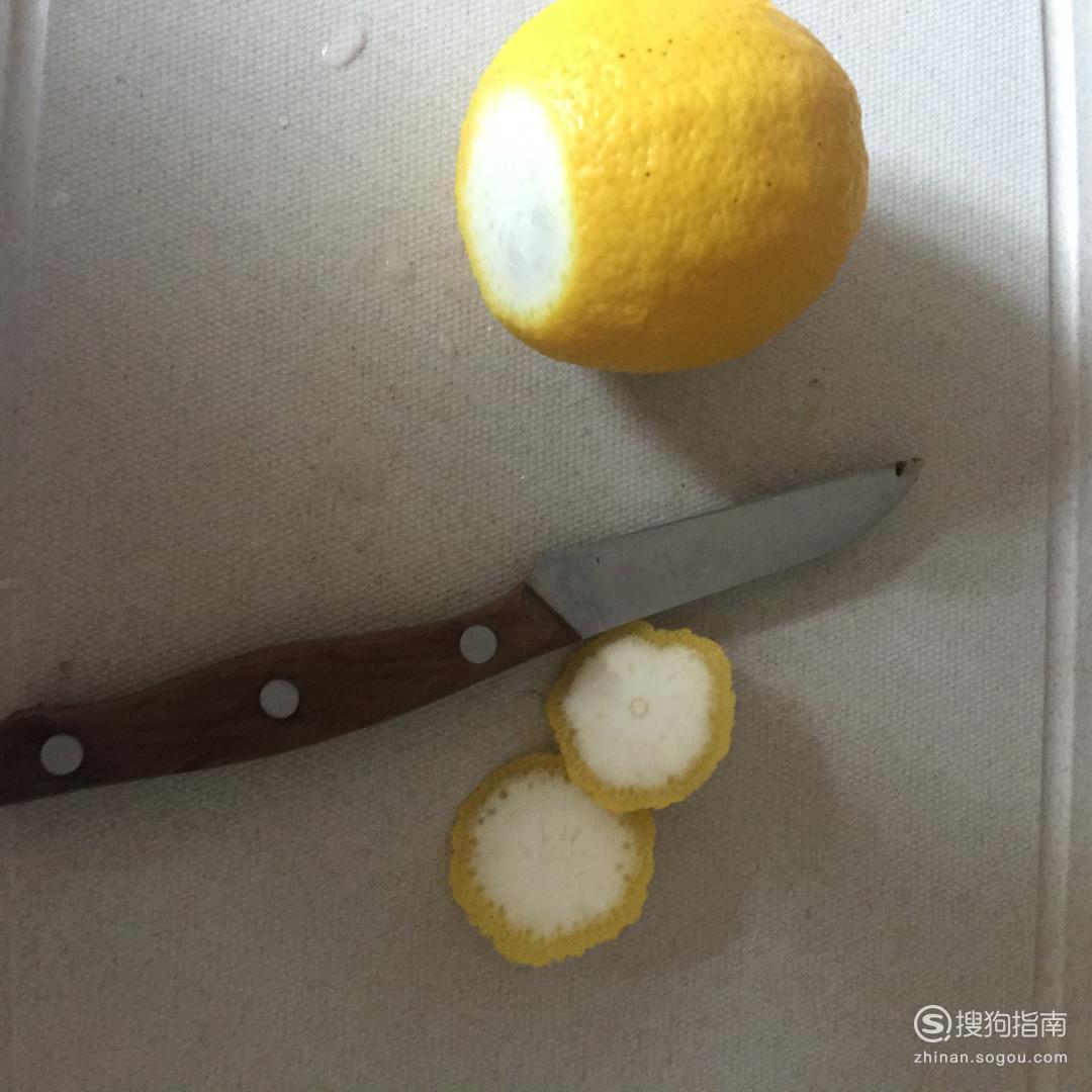 柠檬蜂蜜应该怎么泡,柠檬水的正确泡法