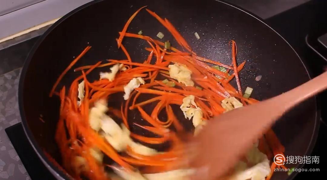 胡萝卜怎么做好吃——胡萝卜炒鸡蛋