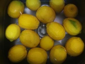 柠檬酒的做法?教你怎么做美味的柠檬酒 看完你就知道了