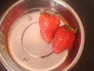 草莓心形花刀的切法 这几步你要了解