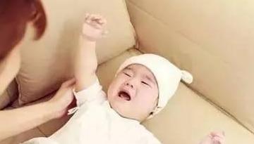 戒奶了怎么哄宝宝睡觉