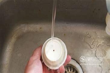 如何拆解、清洗和还原按压式保温杯盖