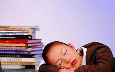 """""""睡觉""""也可以预防颈椎病 涨知识了"""