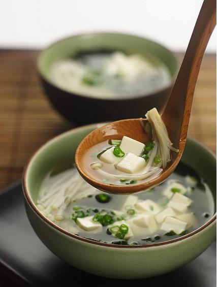 如何做一碗金针菇豆腐