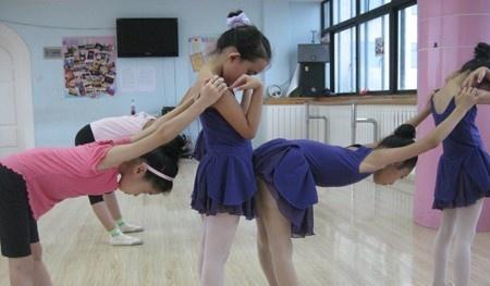 舞蹈基本功训练方法 详情揭秘