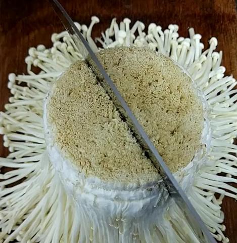 蒜蓉金针菇的制作方法 涨知识了