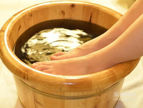 每天用热水泡脚有什么