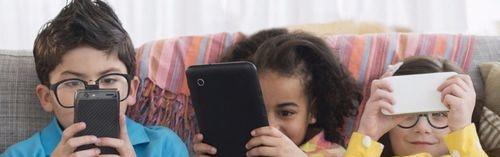 如何不让孩子玩手机 懂得这些技巧就够了
