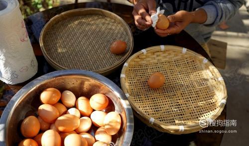 腌鸡蛋出油最好的方法