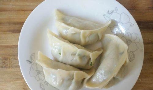 冰冻水饺如何在家做煎饺,涨知识了