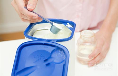 怎样正确冲泡奶粉,看完你就知道了
