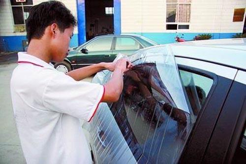 汽车贴膜后多久能开窗 你值得一看的技巧