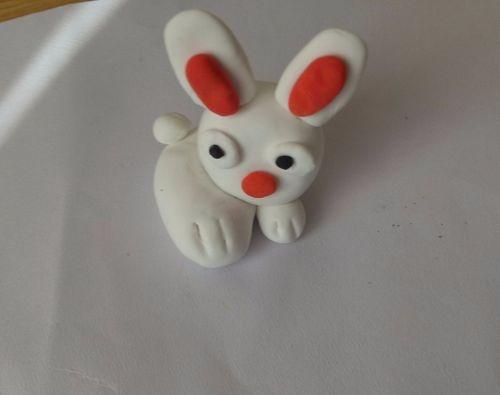 小白兔橡皮泥手工制作