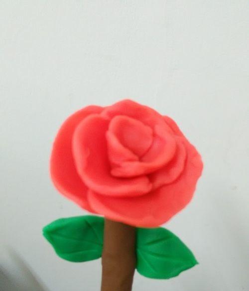 怎样用彩泥捏出一朵玫瑰花?,涨知识了