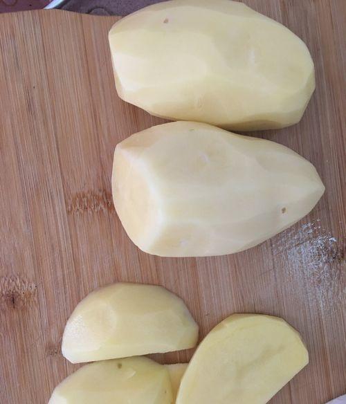 在家如何自己炸薯条,来看看吧