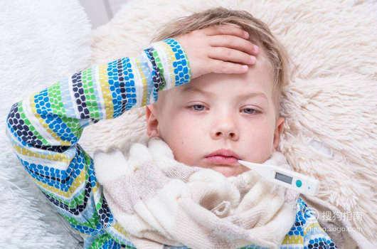 孩子高热惊厥的急救方法 懂得这些技巧就够了